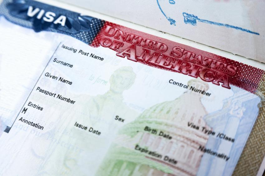 Esta formulaire ou Visa ?